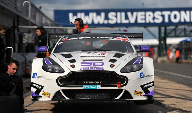 Huge Grid For British GT At Silverstone