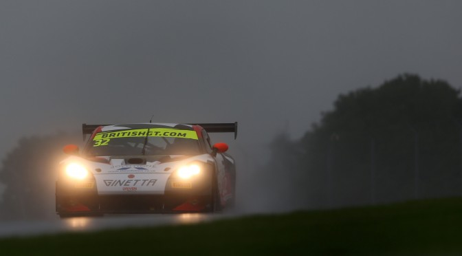 Tolman Motorsport Sets Quickest Time In Damp FP1 For British GT At Donington (10.09.16)